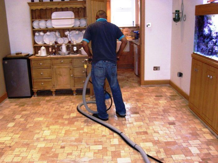 Clean Tile Floors Using Machine Floor Cleaning Machines