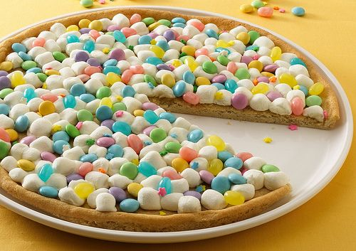 Spring Cookie Pizza-Ideal for Easter! I added M's with the ...