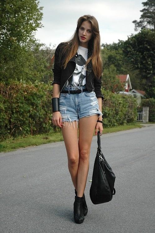 Jacket, baggy tshirt, high waisted shirts and heels