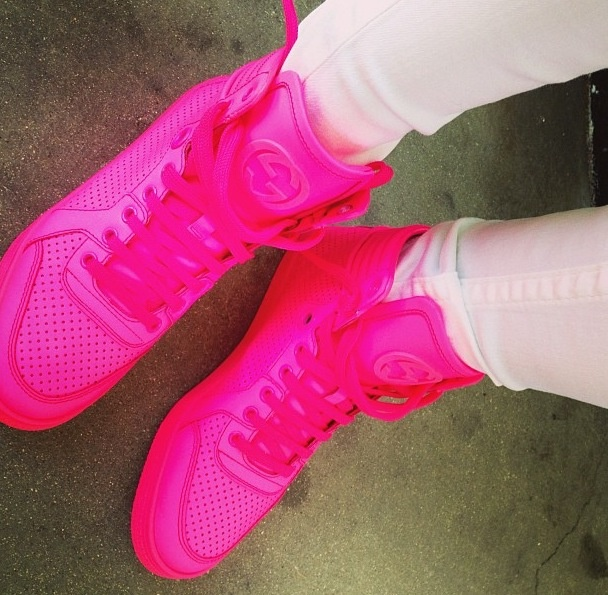 neon pink gucci sneakers label whore pinterest. Black Bedroom Furniture Sets. Home Design Ideas
