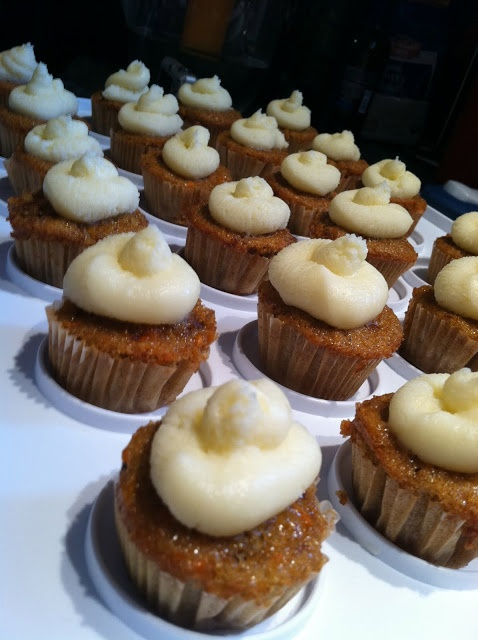 Mini Carrot Cupcakes with Mascarpone Cream Cheese Frosting