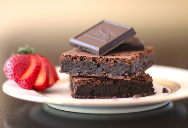 Fudgy Black Bean Brownies with Quinoa Flour | Chockohlawtay