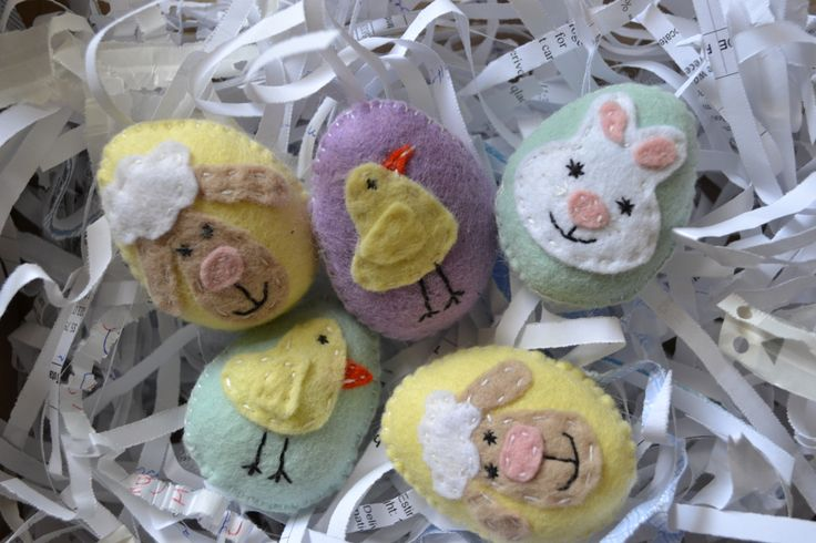 Easter eggs | Craft Ideas using felt | Pinterest