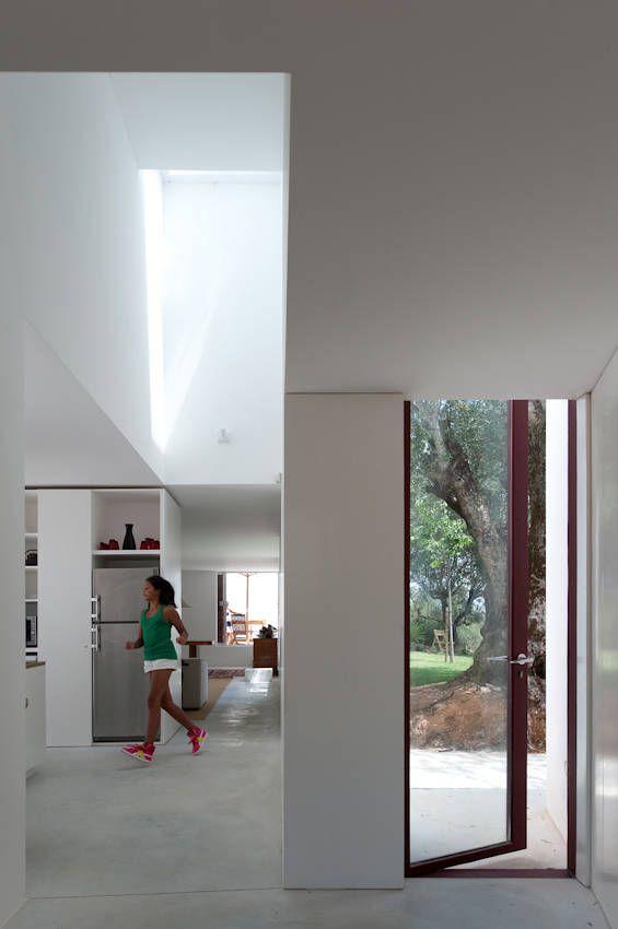 Casa de los Agostos / Pedro Domingos Arquitectos (23)