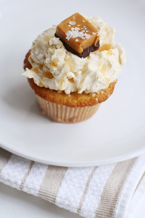 Salted caramel cupcakes... Made these for new years and they were ...