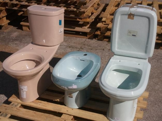 louça sanitária Valadares Indusa Sanitana sanitas e tampos bides lavatórios — Grijó