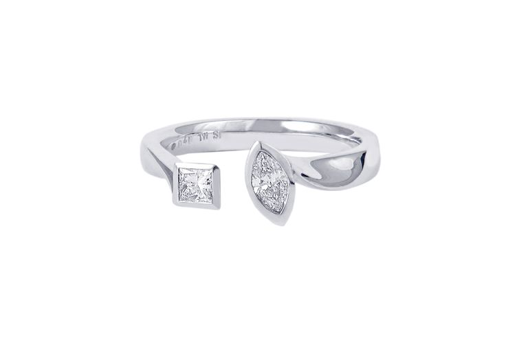 and Princess cut diamonds together in this contemporary diamond ring ...