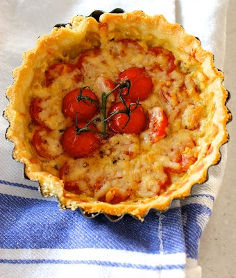 cheese and tomato tart | Kiss My Grits | Pinterest