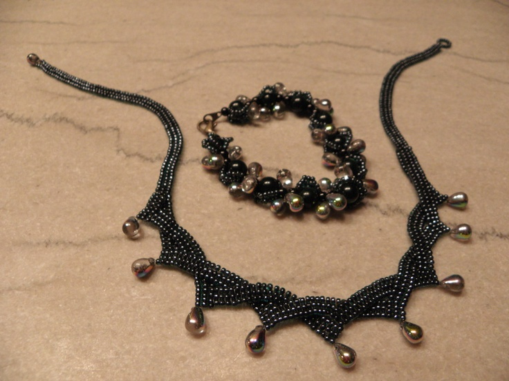 Zig Zag Scallops Necklace, pattern from Bead & Button Dec11.  Bracelet creation by Karla Wipperfurth