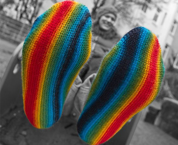 Knitty : Knitty: We love the whole rainbow. Holy Knit! Pinterest