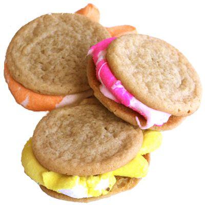 Peeps Whoopie Pies: All you need is Peeps and your favorite sugar cookie recipes. #easter #peeps