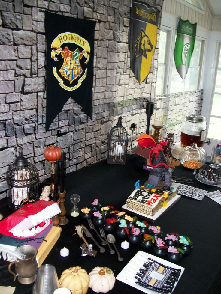 Harry Potter Party Table Holiday Decor Pinterest