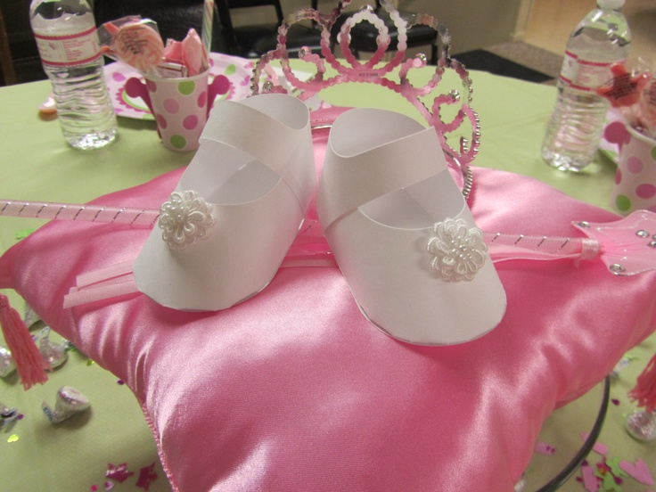 pink princess baby shower centerpieces a take off from cinderella