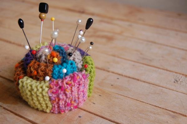 Knitting Pattern Pin Cushion : Mixing Fibers: Free Knit Pin Cushion Pattern