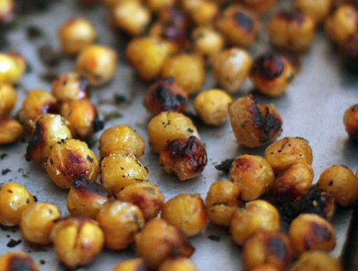~ Lemon & Garlic Roasted Chickpeas! ~