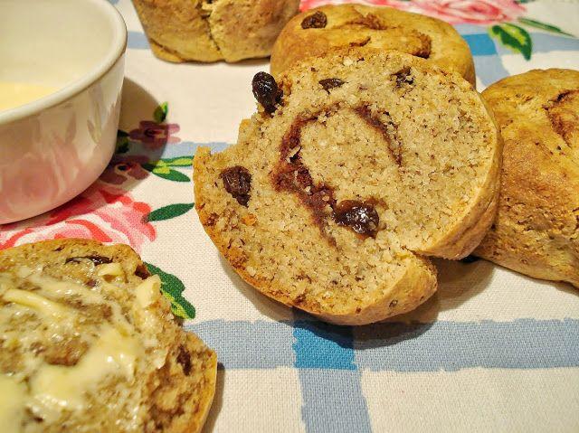 Cinnamon & Raisin Bread Rolls - 3 eggs, 400g ground almonds, 100g ...