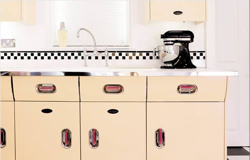 Painting metal kitchen cabinets Jay and Jamie?s Nashville condo
