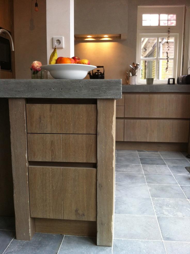 Robuuste Eiken Keuken : Robuuste geloogd eiken keuken met betonblad by Natural-living.