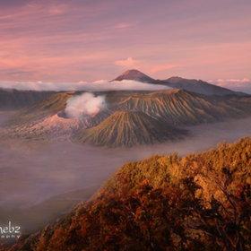 Gunung Bromo Terletak di Jawa Timur Indonesia ..