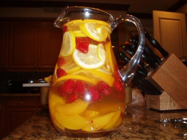 Peach Sangria made with a yummy white wine! Lost Creek's Sweet Summer ...