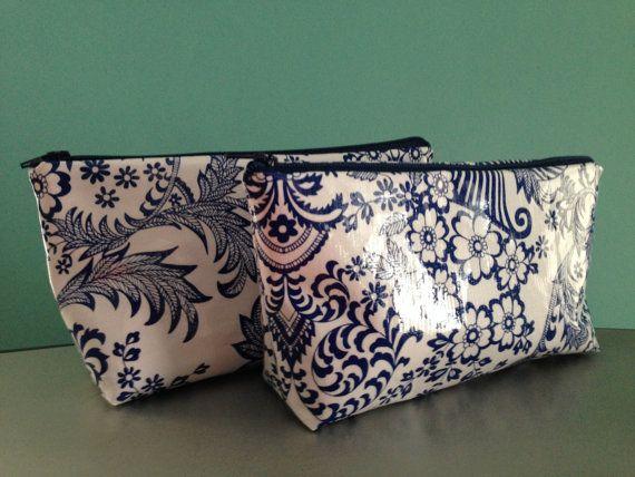Large blue floral oilcloth makeup cosmetic zipper pouch clutch wet bag