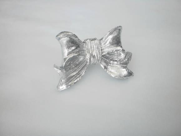 Puxador lacinho Prata ou dourado R$18,00