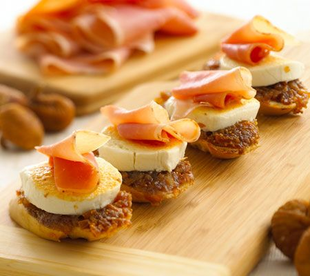 Photo of Fig & Proscuitto Crostini with Chavrie® Goat Cheese Goat Log