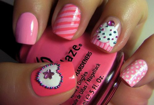 Cupcake fingernails.