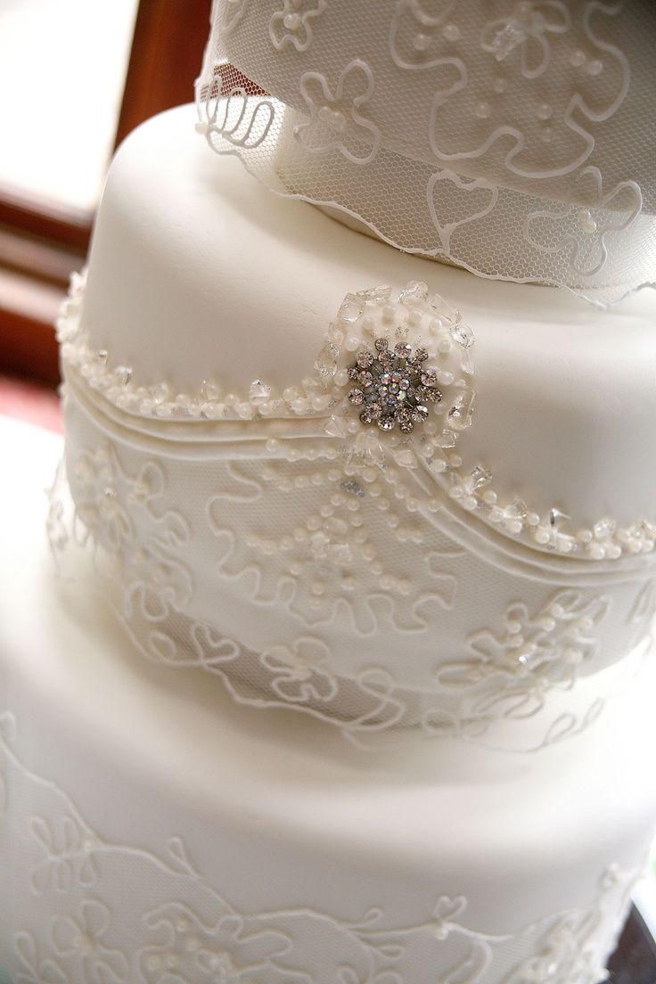 Pin by jami stelly on wedding cakes pinterest for Wedding dresses with pearls and diamonds