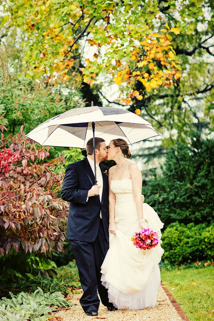 Wedding-Pictures-In-The-Rain.jpg (810×1215)