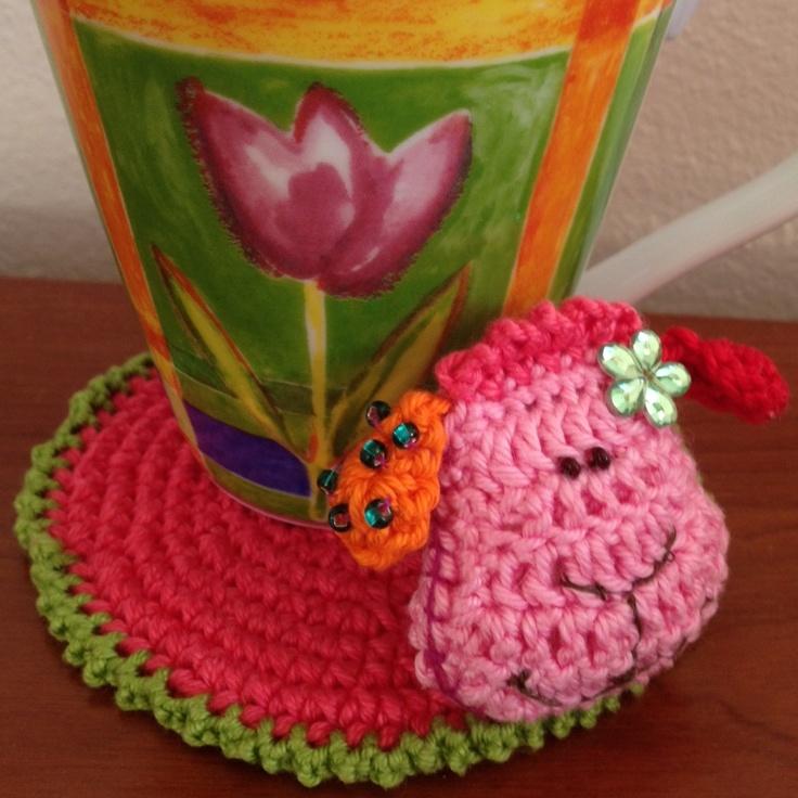 Big thanks to Vendulka Maderska (http://www.kouzlenishackemajehlicemi.cz/en/) Available also in English language (crochet)