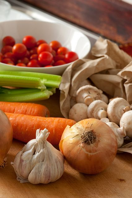7 tips for full-flavoured vegetable stock via thestonesoup.com (Great tips. My veggie stock was delish!)