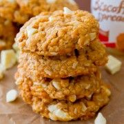 Biscoff White Chocolate Oatmeal Cookies-4