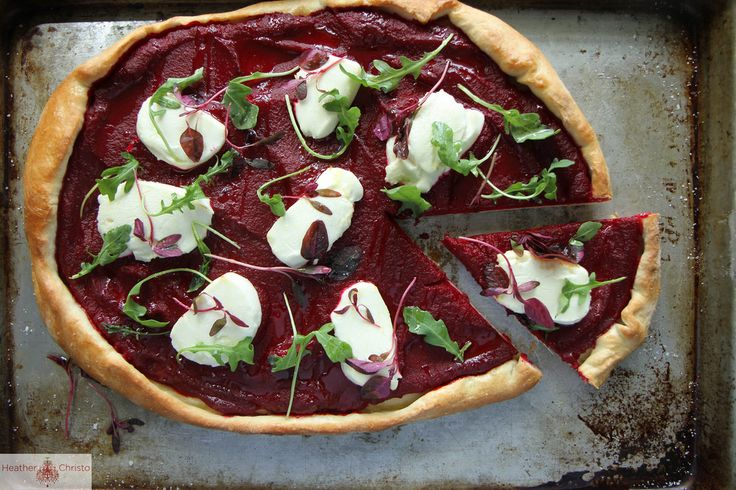 beet and goat cheese pizza | Heather Christ #CSA