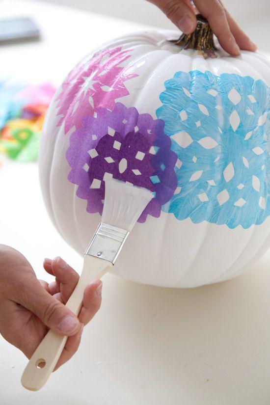 Tissue paper and Mod Podge pumpkins - 25 Awesome No-Carve Pumpkins