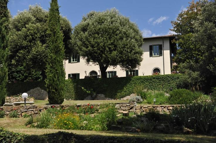 Villa di Pile  Greve in Chianti , Chianti , Tuscany    Sleeps 12  | Bedrooms 6  | Bathrooms 5