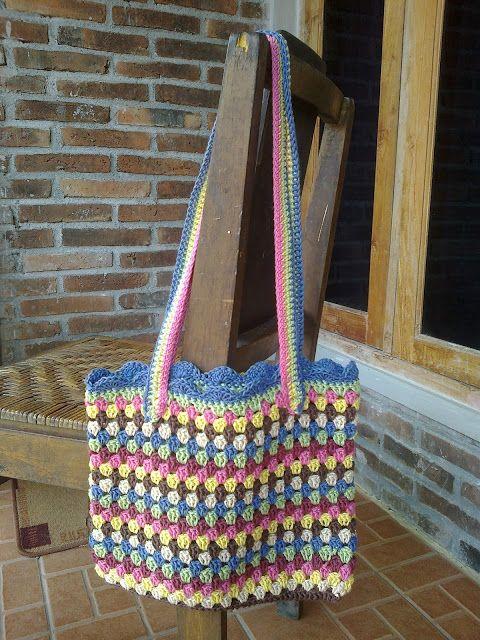 Free Granny Square Bag Pattern : Granny Squares