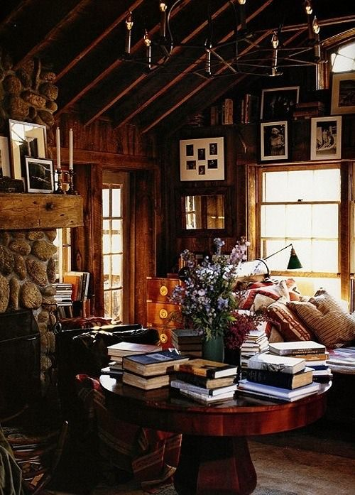 A Cozy Book Filled Cabin Where The Heart Is Pinterest