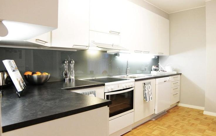 mustavalkoinen keittiö  Keittiö  Pinterest