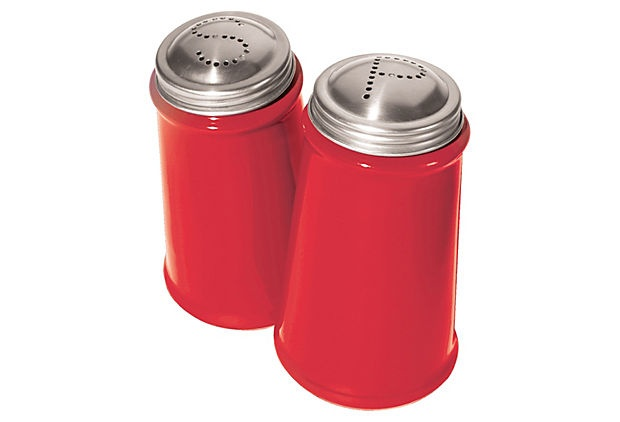 These red salt and pepper shakers are so great for outdoor dining.