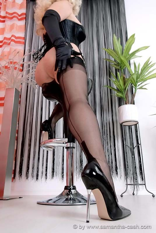 Following great pantyhose picture