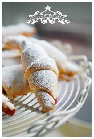 ... Cuisine - Sour cherry jam cookies | Jam Cookies & Cakes | Pint