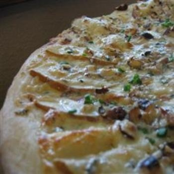 Pear and Gorgonzola Cheese Pizza | YUM! | Pinterest