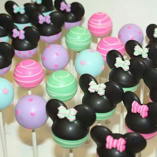 Minnie mouse cake pops in pastel 1 bday Pinterest