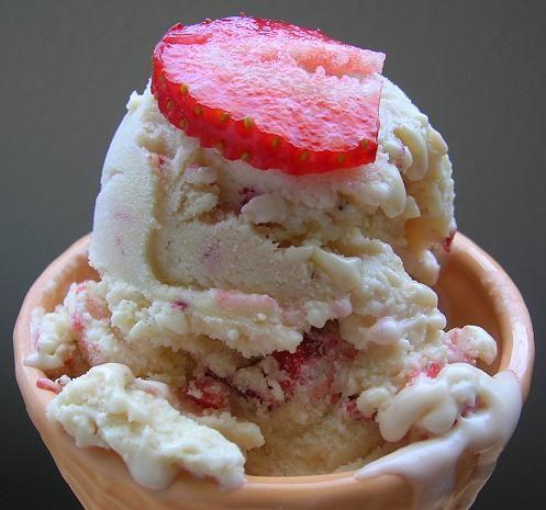 strawberry mascarpone ice cream | ice cream | Pinterest