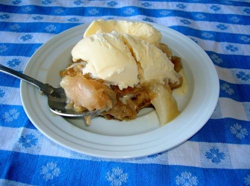 vanilla ice cream the pioneer woman pear crisp with vanilla ice cream ...