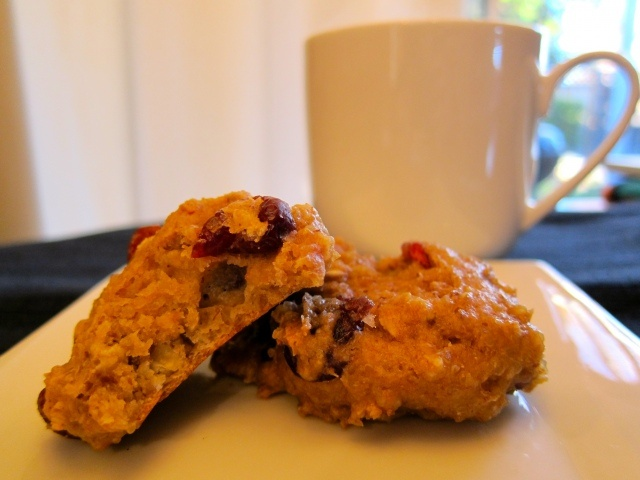 Cranberry Almond QUINOA Cookies! So healthy and SO good!