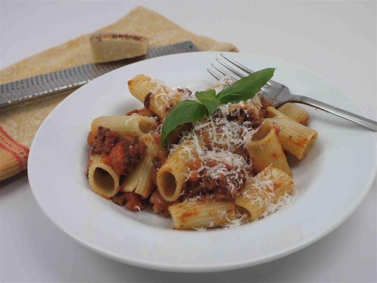 What's For Dinner? Weekend Rigatoni Bolognese
