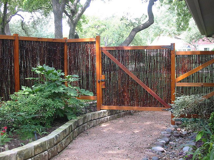 privacy fence idea made from bamboo outside because. Black Bedroom Furniture Sets. Home Design Ideas