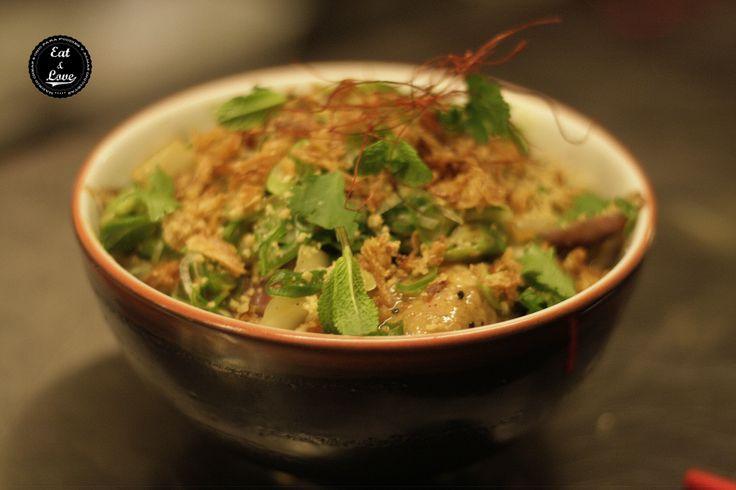 Pollo al curry rojo Tailandia. Nakeima, restaurante street food Madrid